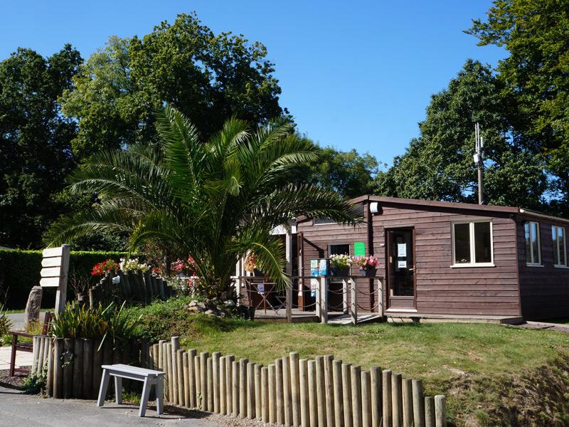 Camping Du Quinquis : Reception Camping