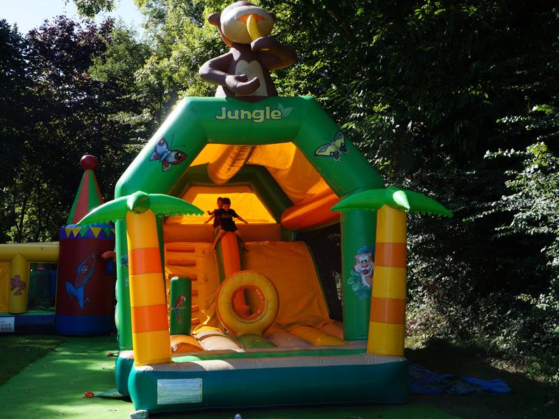 Camping Du Quinquis : Structure Gonflable