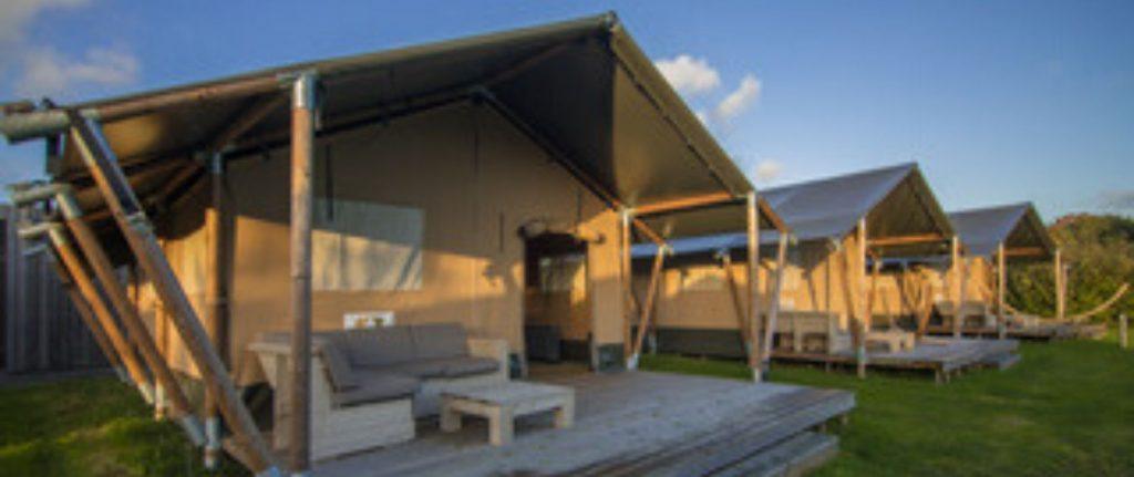 Camping Du Quinquis : Header Camping Du Quinquis Tente Safari Wood (3)