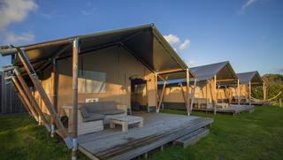 Camping Du Quinquis : Safari Tent Wood Outstanding (4)