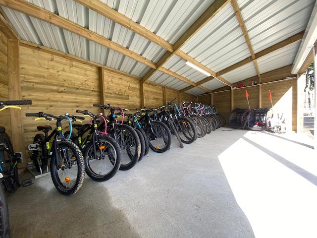 Camping Du Quinquis : Loca Vlocation Veloelo