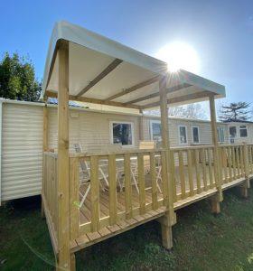 terrasse du mobil home grand confort au camping à clohars carnoet