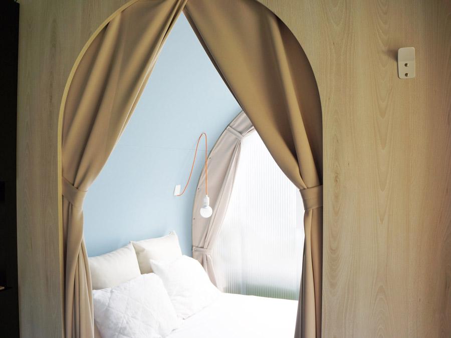 Chambre parentale en tente aménagée coco swwet en camping au pouldu